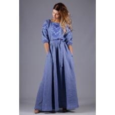 Жіноча довга синя лляна сукня з блакитно-синім орнаментом (5425)
